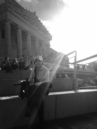 Sunset in front of the Brooklyn Museum